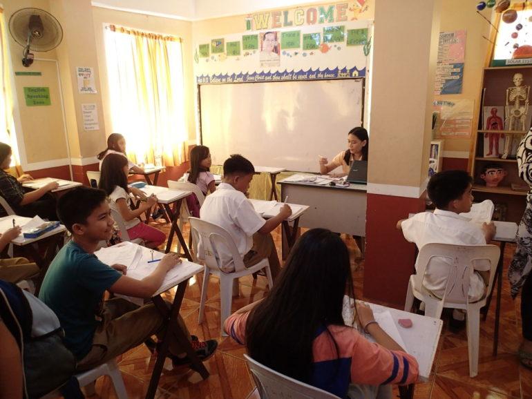モンテッソーリ教育をやっているドゥマゲッティのインターナショナルスクール