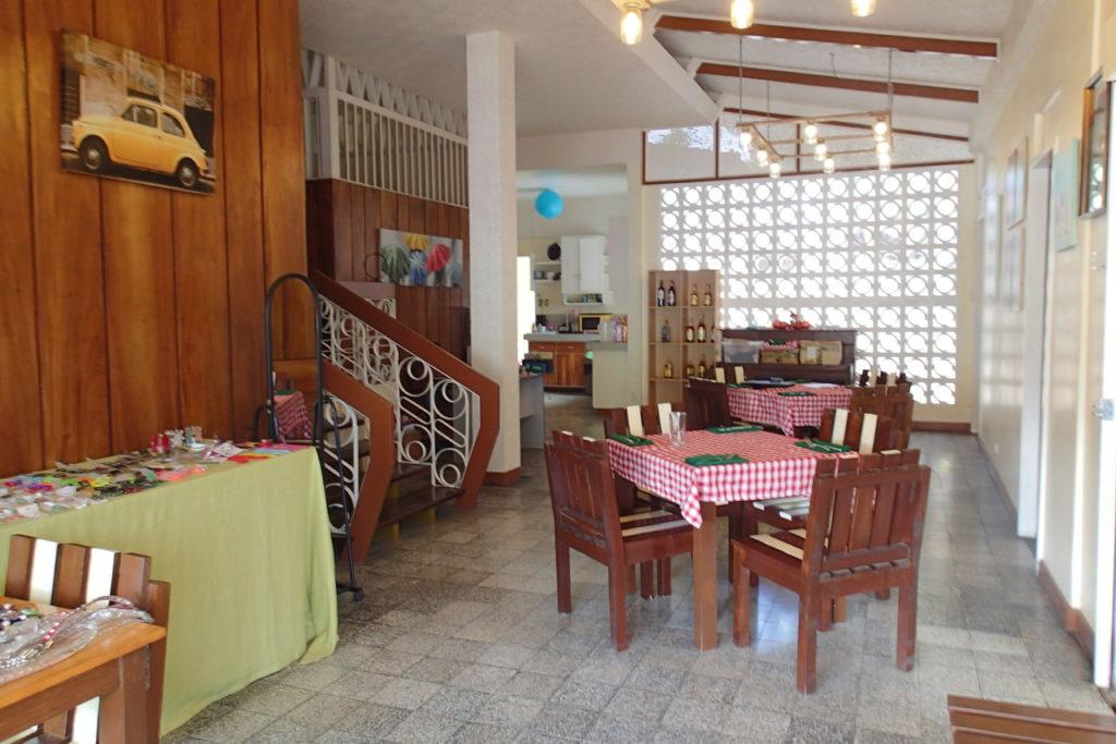ドゥマゲッティでジュエリーアーティストが作ったレストラン