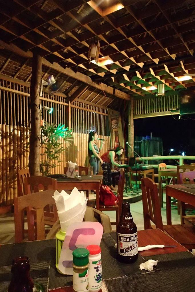 ドゥマゲッティのフィリピン料理店