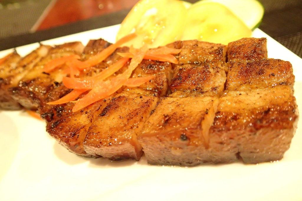 豚の腹肉のグリル、リエンポ