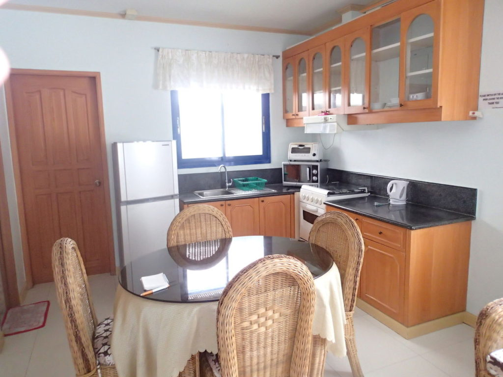 ドゥマゲッティシティアパートメントキッチン