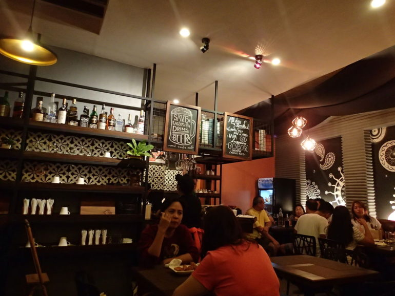 ドゥマゲッティ新規オープンの店 フィリピン風ビストロ、トレス