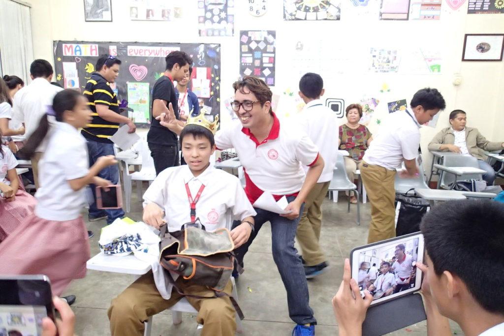 シリマン中学のサプライズ送別会