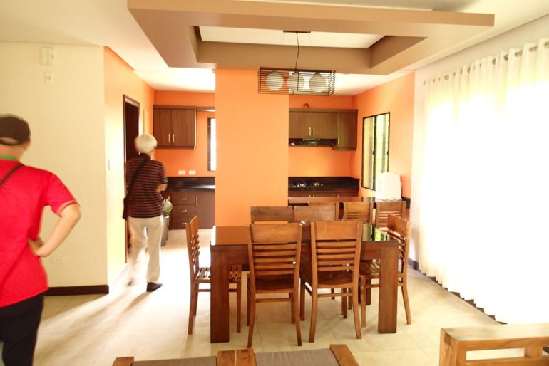 ハサラムコートヤードリビング&キッチン