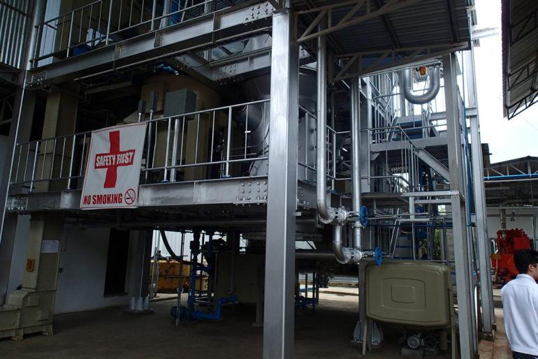 世界的黒糖工場の最新の機械