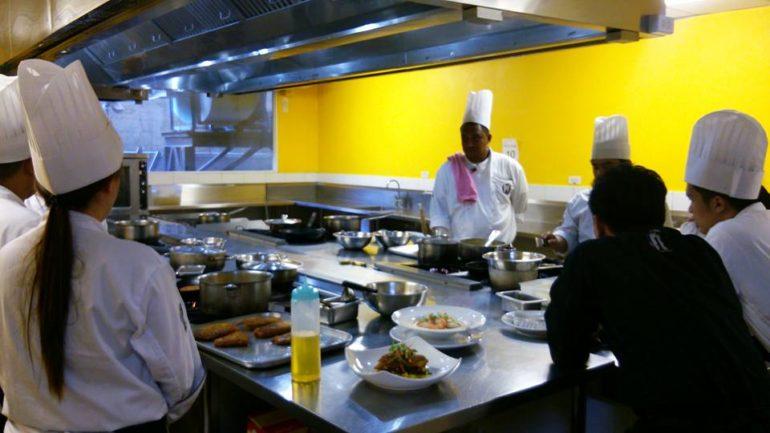 セブに和食料理人育成学校&パティシエ育成校を立ち上げる